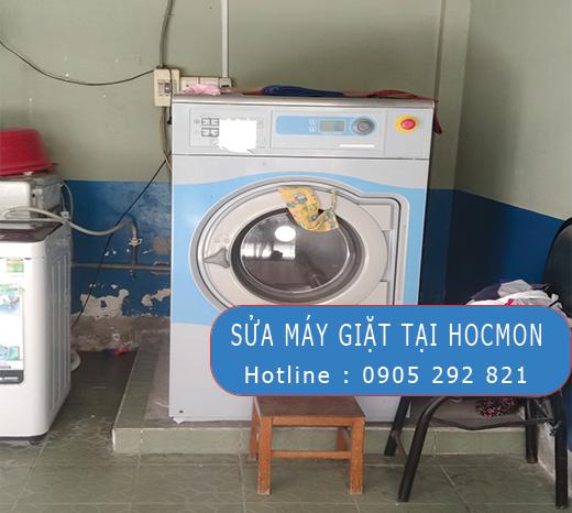 sua-may-giat-electrolux-tai-hoc-mon